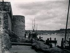CONCARNEAU - Le Port et les Remparts Finistère - Div 3739