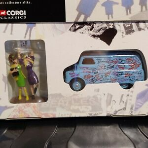 Corgi The Beatles Collection 05606 Bedford Van + Hand Painted Figures NEW
