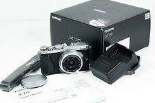 Fuji Fujifilm X70 16.3MP Compact Digital Camera with large APS-C sized sensor