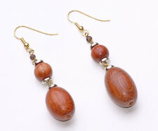 LOVELY HAND-CRAFTED GOLD TONE DROP EARRINGS CHIC BROWN WOODEN BEADS (ZX16/A6)