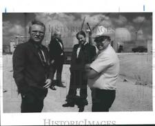 1986 Press Photo Matagorda County officials at South Texas Nuclear Project site