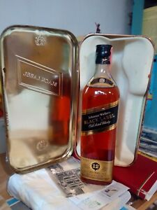 JOHNNIE WALKER  - BLACK LABEL - OLD SCOTCH WHISKY - 12 YEARS EXTRA SPECIAL