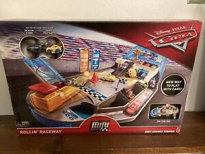 New!!! Disney Cars Mini Racers ROLLIN RACEWAY Track Playset