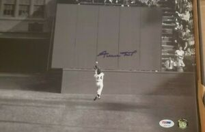 Willie Mays SIGNED 16x20 San Francisco Giants PSA/DNA AUTOGRAPHED the Catch