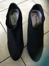 Firetrap Ladies Black High Heeled Platform Shoes Size 39 / 6. Good Condition.