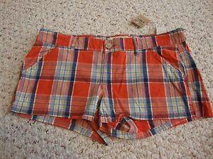 Women's juniors NWOT HOLLISTER Social stretch plaid shorts, 1