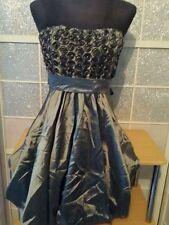 magnifique  robe bustier   couleur grise brillante   T S/M  EXCELLENT ETAT