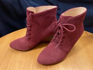 Isaac Mizrahi Live Andrea Lace-up Suede Wedge Boots Women's 6 W Mulberry 6W