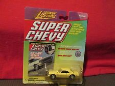JOHNNY LIGHTNING 1968 camaro SUPER CHEVY MAGAZINE 1/64 JL CRINKLE IN CARD