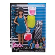 Barbie Puppe mit drei Outfits und Accessoire, Barbie Fashionistas So Sporty Doll
