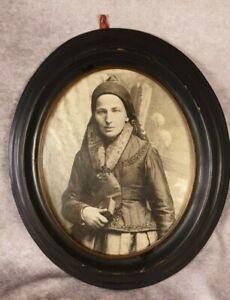 Schöner alter Bilderrahmen Holz oval mit Foto