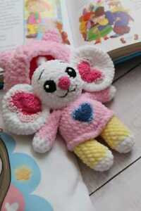 """Handmade crochet toy based on """"Chip and Potato"""""""