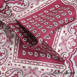 NWOT Trunk Club Made in Italy 100% Silk Raspberry Paisley Layout Pocket Square