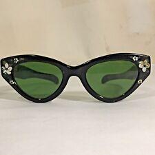 255e41015232 True Vtg Cooana by Iris Cat-Eyed Plastic Frame Sunglasses w Flower  Embellisment