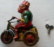 Rare ARNOLD, US Zone Germany - Wind up Tin Monkey on tricycle 1946 with wind KEY
