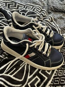 womens tommy hilfiger trainers Shoes size 5