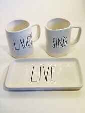 RAE DUNN~LARGE PRINT COFFEE MUGS SET of 2 ~SING ● LAUGH ➡︎BONUS PLATE • LIVE