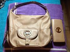micheal kors handbag and wallet authentic used but in good condition