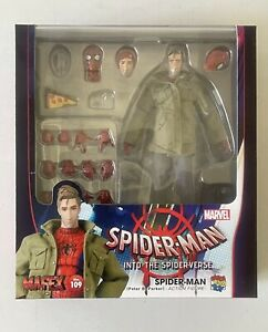Mafex Medicom Spider-Man into the Spiderverse No. 109