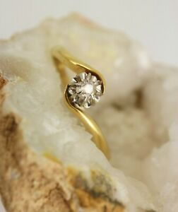Sweet 18ct Gold Antique Vintage Diamond Solitaire Twist Setting Ring Size R,1/2