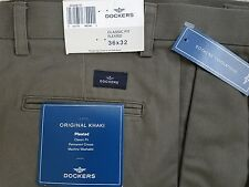 DOCKERS Mens PLEATED CLASSIC-FIT GREEN KHAKIS~Size 36 X 32~Pants~NEW