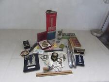 joli lot d objets de vitrine brocante bijoux medailles religion...