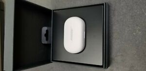 "Bose QuietComfort In Ear Noise Cancelling Wireless Earbuds + Case White ""New"""