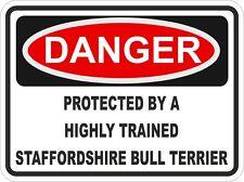 Razza di cane Staffordshire Bull Terrier pericolo Adesivo Pet PARAURTI Locker PORTIERA