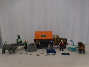 Animal planet Mobile Medical Truck Safari Vet Center Toys R Us Rare