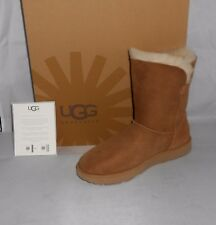 UGG WOMEN'S CHESTNUT CLASSIC SHORT CUFF BOOTS SIZE 9 NEW IN BOX