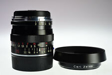 Carl Zeiss Biogon T * 35mm f/2 ZM with Lens hood Excellent+