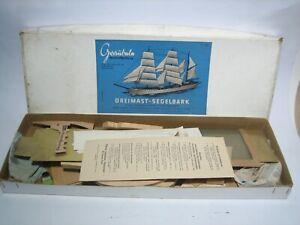Graupner, Graubele Schiffsmodell-Baukasten, Dreimast Segelbark, ca. 1950er