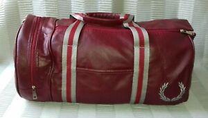 """FRED PERRY : Petit sac de sport/voyage """"classic barrel bag"""""""