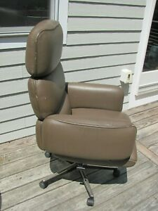 Knoll Executive Chair Designed by Otto Zapf 1970s High Back Tan Leather