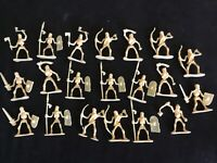 """Undead Skeleton Army Men with Weapons -   Lot of 20  - 2.5"""" high NEW"""