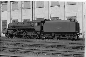 British Railways Photograph CLASS 4MT 76064 at Feltham on 2.5.65