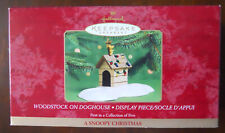 Hallmark Snoopy Christmas Woodstock on Doghouse Display Base Peanuts Gang 2000