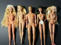 LOT OF 5 BARBIE DOLLS 1980S 2013 1 ARTICULATED    { C }