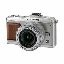 Near Mint! Olympus E-P2 12.3MP with 14-42mm Silver - 1 year warranty