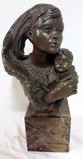 Escultura de L.M. Lafuente. De bronce y terracota, firmada y numerada. Maternida