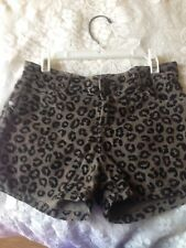 I jeans by buffalo  girls shorts size 12 reg ( leperord print )