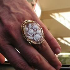 RING SHELL CAMEO ART TO WEAR MODERNIST flowers SIZE 7 1/2 Adjustable