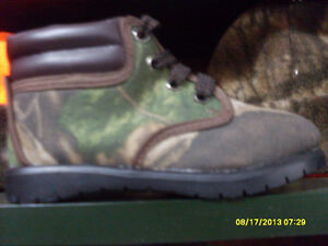New Realtree Hardwoods or APG Green CAMO BABY SHOES SZ 5-7-9