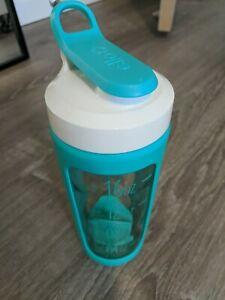 Ello Splendid 20oz Glass Shaker Bottle Mint