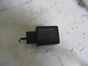 Yamaha FZS 600 Fazer RJ02 Indicator Relay Indicator FE246BH Flasher