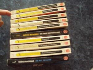 LOT de 10   livres de poche policier, thrillers  (lot 6)