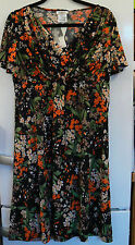 Kim & Co  V-Neck Front Twist Garden Flowers Short Sleeve Dress large new & tags