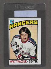** 1976-77 OPC Walt Tkaczuk #220 (NRMT++) Nice Old Hockey Card ** P5011