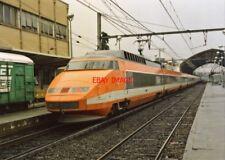 PHOTO  FRENCH TRAIN - TGV NO 27 AT AVIGNON