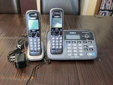 Uniden Cordless Phone D1685 Digital Answering system base w/2 handsets works